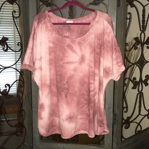 Tops - Plus size 26/28 pink and white tie dye tee. NWOT